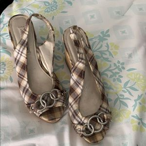 Plaid wedges